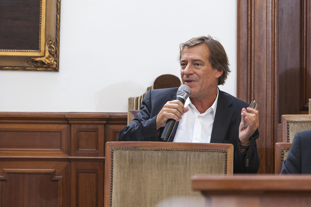 Luís Nazaret, Economista e ex-Presidente da ANACOM, a realizar o seu comentário.