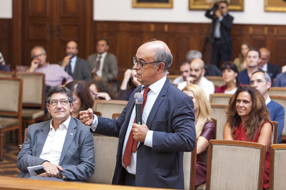 José Alberto de Azeredo Lopes, ex-Presidente da Entidade Reguladora para a Comunicação Social, no seu comentário.