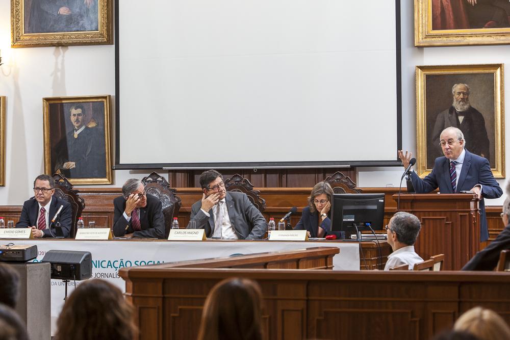 Conferencista Rui Rio, Economista e ex-Presidente da Câmara Municipal do Porto, a discursar.